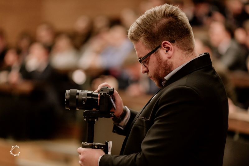 Wypożyczalnia aparatów fotograficznych - kiedy wypożyczyć sprzęt, a kiedy go kupić?